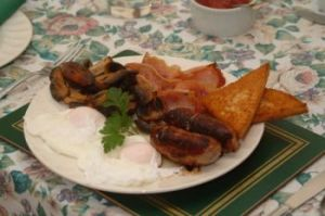 A traditional cooked English breakfast, perfect with a cup of tea.  Image: FreeFoto.com